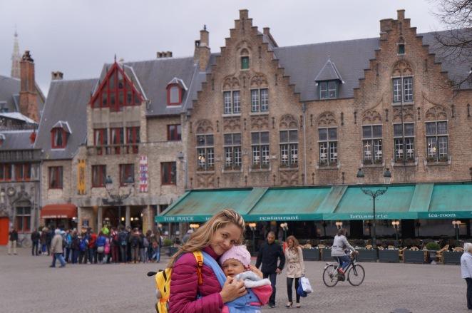 Comércio na lateral da Markt (fotos da primeira vez que fomos com Clarinha, em 2014).