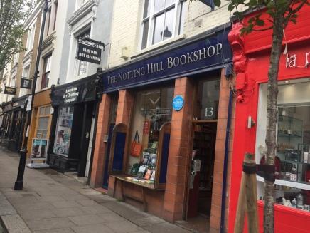 """Livraria do filme do Üm lugar chamado Notting Hill""""."""