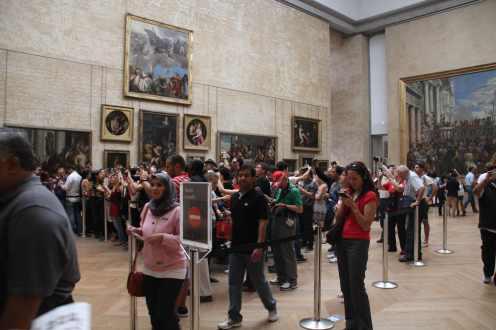 """Fila para ver a """"Mona Lisa"""""""